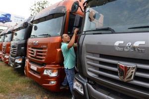 """Nhập khẩu ô tô tăng mạnh: Chính sách đang """"kích cầu"""" hộ nước bạn"""