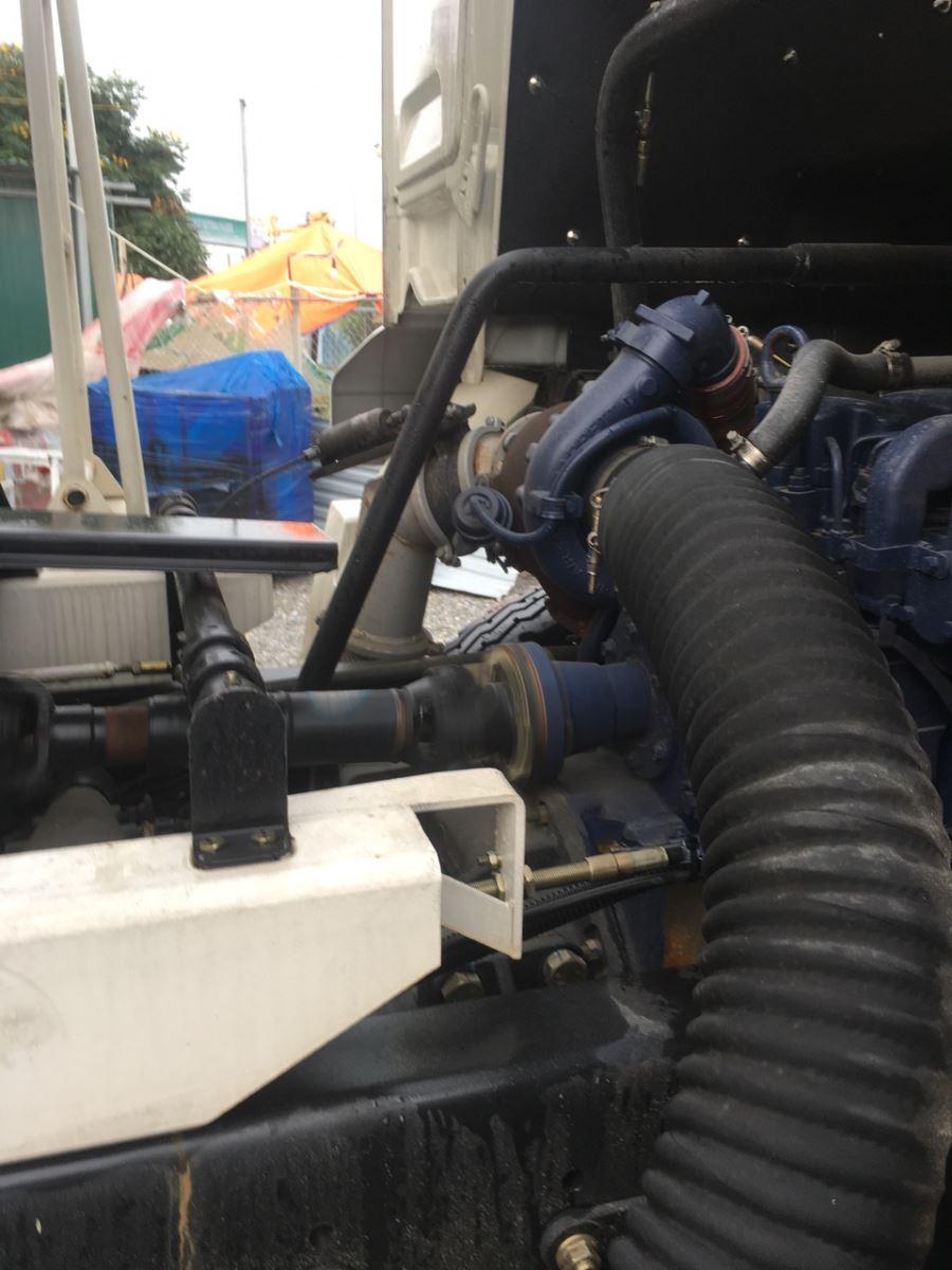 động cơ xe trộn bê tông shacma